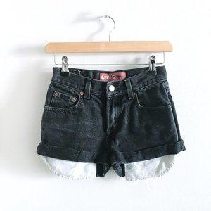 ⚡️SOLD⚡️Levi's 550 high rise rolled hem shorts- 25